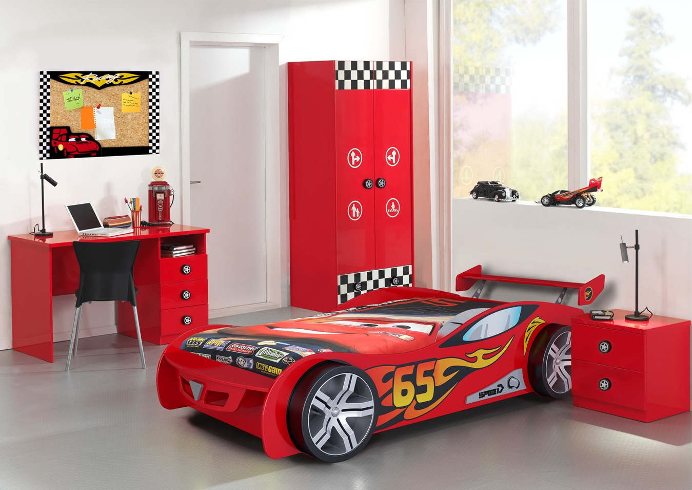 lit voiture pour enfant le mans 3 couleurs. Black Bedroom Furniture Sets. Home Design Ideas