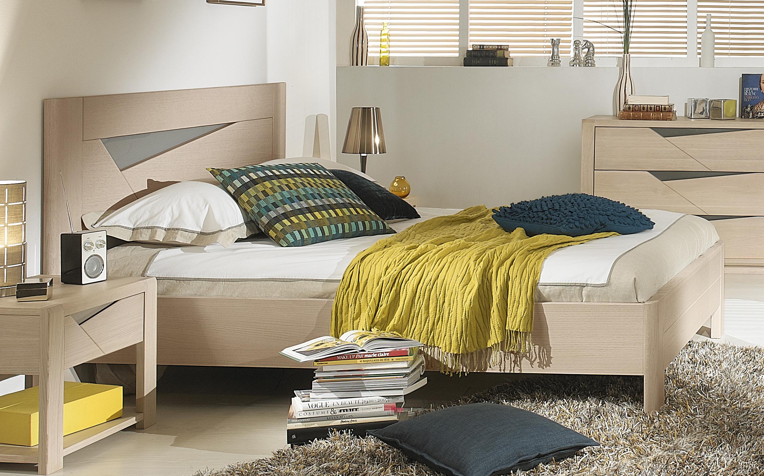 lit chene massif. Black Bedroom Furniture Sets. Home Design Ideas