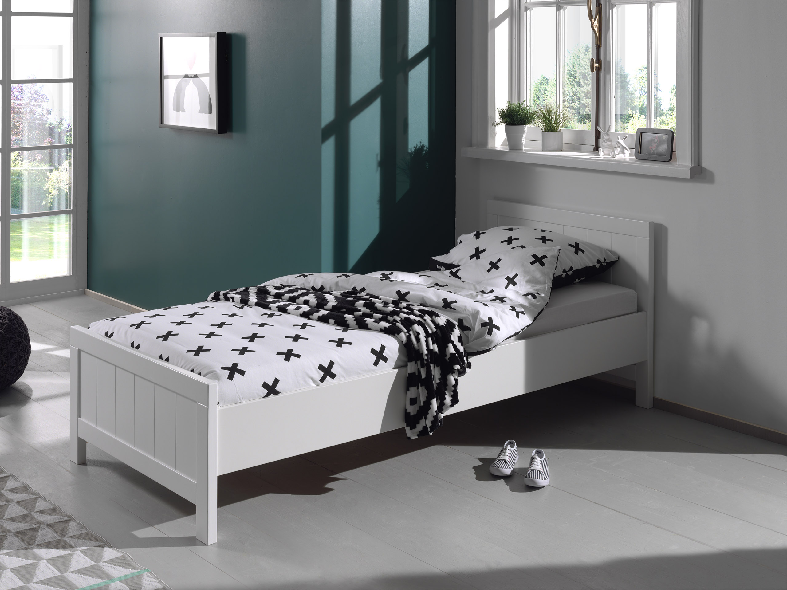 lit 1 personne en bois laqu blanc 90x200cm erick. Black Bedroom Furniture Sets. Home Design Ideas